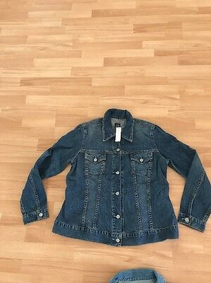 Gap Maternity Denim Jacket Medium M NWT 8-10