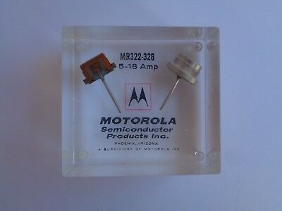 Vintage Motorola Semiconductor Advertising Electronics Acrylic Paperweight ?