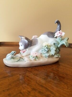 LLADRO #1442 Cat and Frog 'Kitty Confrontation' - Immaculate Condition