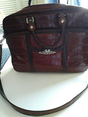 NWOT! Gorgeous Marc Chantal Brown leather Croc design womens briefcase Very Nice