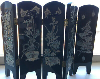 Korean Black Lacquer Folding Table Screen with Mother of Pearl Inlay