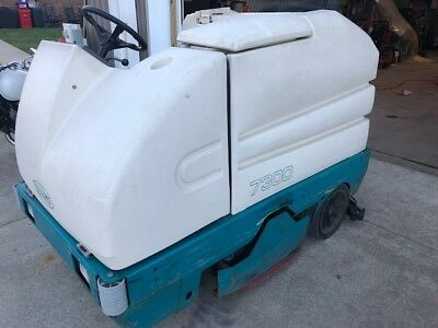 tenant tennant sweeper ride on 7300 with charger
