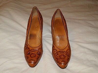 RARE    ARTMEX  Vintage  ***Tan Tooled Leather Pumps Heels***  Size 6  MEXICO