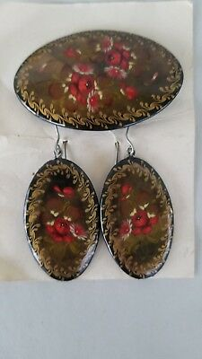 Vintage 3 pc set ~ Hand painted Russian Lacquer Brooch Pin & Earrings ~ Flowers