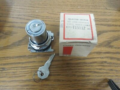 Cutler-Hammer 10250T15112 2 Pos. Keyed Selector Switch Maintained Cam 1 Surplus