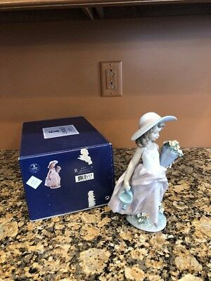 "Lladro 7676 "" A Wish Come True "" Girl W/ Flowers Water Can Porcelain Figurine"