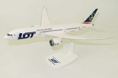 LOT Polish Airlines Boeing 787-9 Dreamliner PPC 1:200 Plastic Snap Fit Model
