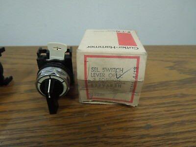 Cutler-Hammer E22VAR3H 3 Position Lever Selector Switch Maintained New Surplus