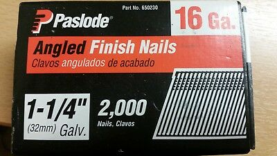 Paslode 16 Gauge Galvanised Angled Finish Nails 32mm. Part no. 650230