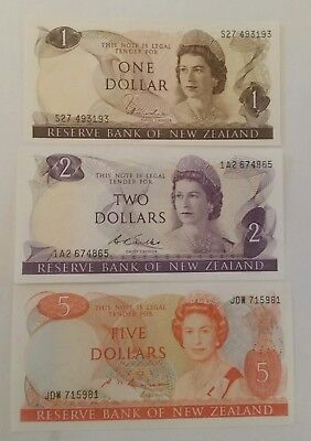 New Zealand 1,2, 5 dollars 1970 lot of 3 banknotes 3 different signatures XF/UNC
