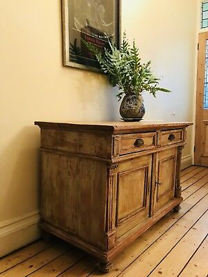 Old French Pine Cupboard / Linen Press