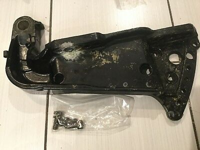 1993 Mercury 135HP TRANSOM BRACKET STBD 8718F 7