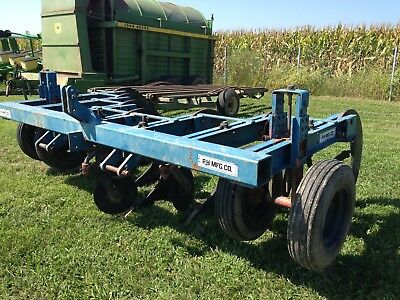 PH MFG CO 7 Shank inline v ripper minimum tillage with gauge wheels