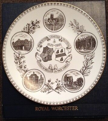 Royal Worcester Collectors plate 1621-1971 Worcester Charter Festival