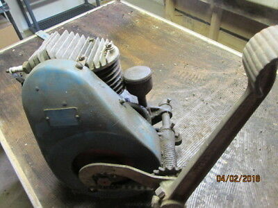 ANTIQUE Briggs & Stratton Model L1 Gas Engine with Kick Start - COLLECTIBLE
