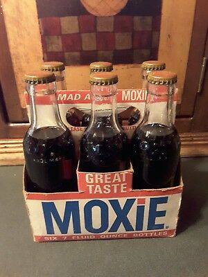 FULL VINTAGE  6 PACK OF MOXIE SODA BOTTLES~Original Cardboard Carrying Case