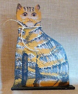 AMERICANA FOLK ART~Adorable VINTAGE HAND PAINTED WOODEN CUTOUT CAT w/ BASE