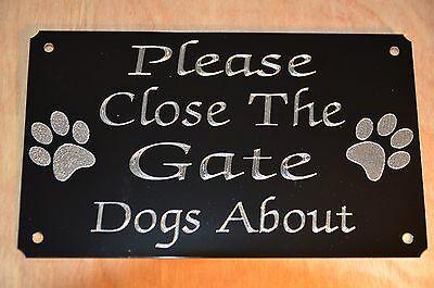 Please Close The Gate Dogs About Plaque Plate Sign 130x80mm Black Gloss Metal,,