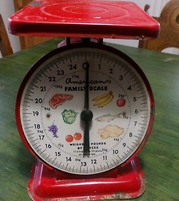 Vintage American Family Kitchen Scale; red