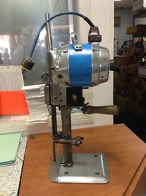 "EASTMAN Blue Streak II Straight 10"" Knife Industrial Cutting Machine"