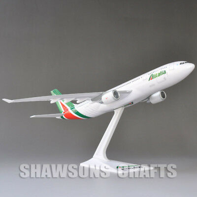 Aircraft Plane Model Toy 1:200 Airbus A330-200 Aerobus Alitalia Airliner Replica