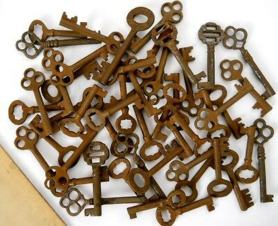 1900's Cabinet skeleton old style rusty keys 50 pc. steampunk #2207H50