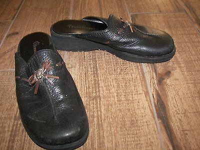 Women's Bare Traps Black Leather Mule Shoes - 6.5M