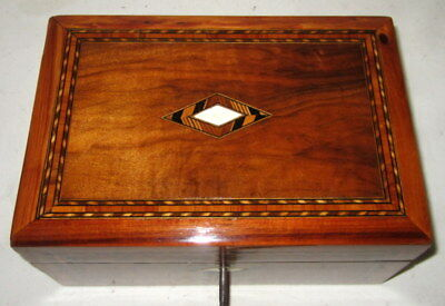 NICE ANTIQUE WALNUT BANDED BOX with key
