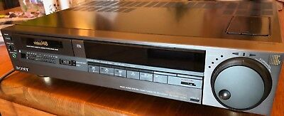 Working Sony EV-S900 Hi-8 Video NTSC Recorder S-Video VHF/UHF In/Out