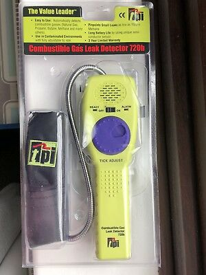 TPI 720b Combustible Gas Leak Detector with Goose Neck, 10ppm Sensitivity