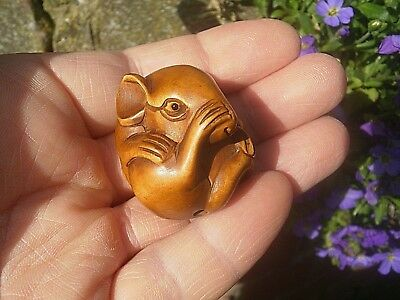 Carved wood netsuke Rat or Mouse curled up, vintage / antique style figure  ...2