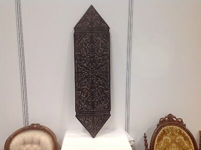 Polynesian  Ceremonial Wooden Shield.