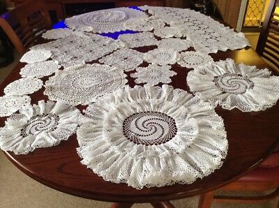 vintage chrochet doilies Lot 27