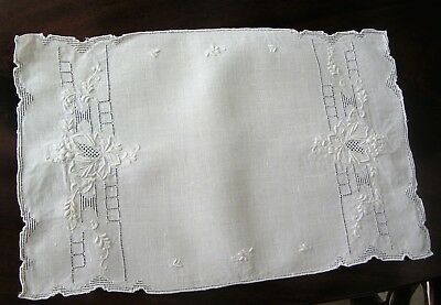 Antique Linens - Appenzell Table Runner, 8 Placemats