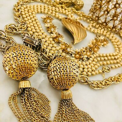 Gold Tone Metal Vintage Lot - With Coro Bracelet And Trifari Necklace