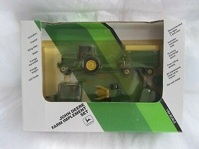 John Deere Tractor Toy Implement Set ERTL 1991 1/64 Scale Die-Cast
