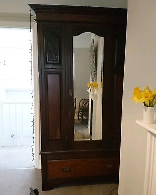 Beautiful antique wardrobe. Mahogany. early 1900.