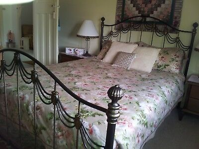 Metal, Queen size antique style bed