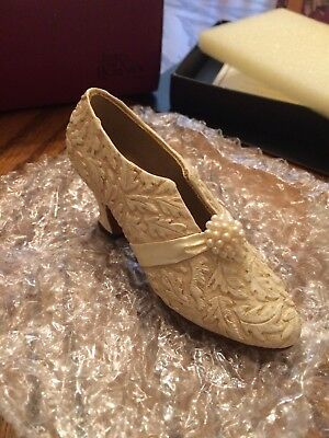 """Just The Right Shoe """"I Do"""" item 25031 Raine - Willettes Designs (year 2000)"""