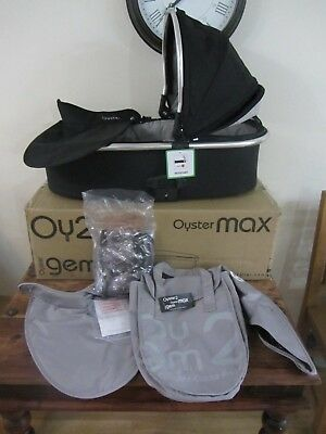 Babystyle Oyster 2 Max Carrycot With Silver Colour Pack