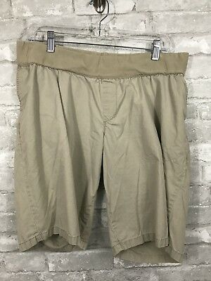 Liz Lange Women's Maternity Khaki Shorts Size Large Great Condition