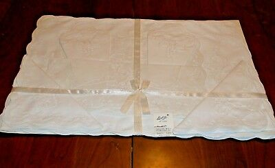 Linbro All Cotton White Embroidered 8 piece Placemat and Napkin set