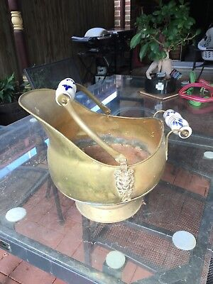 Vintage Retro Brass Coal Scuttle With Blue And White Delft Handle