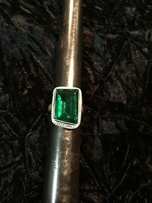 Size 8 3/4 Emerald Green Color Glass Ring - Silver Plated - Handmade NEW