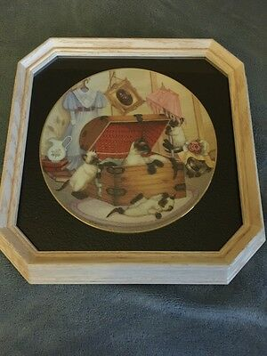 "Siamese Cats Plate In Frame - ""Attic Attack"""