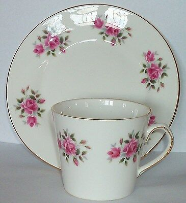"Vtg. ELIZABETHAN BONE CHINA 6 1/4"" PLATE & CUP-GOLD TRIM-Collectible HOME DECOR"