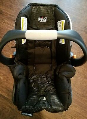 Open Box Chicco Keyfit Zip 30 Infant Car Seat and Base, Genesis