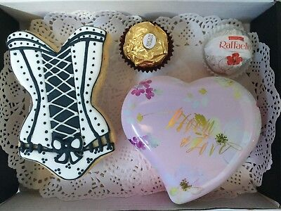 9-10pc Hot Mamma Cookies & Choc Birthday Gift Box w/ 2x12inch Heart Balloons