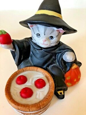 "Schmid~Kitty Cucumber ""halloween Figurine""~Vtg~1987~""bobbing For Apples""~Euc"