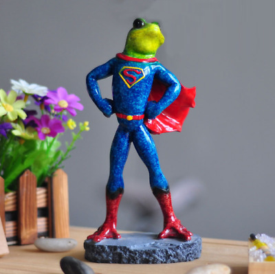 1X Green Frog Figurine Resin Colleation Gift Character Superhero Pattern Frog 05